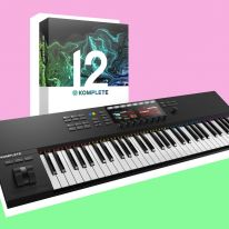 Native Instruments Komplete Kontrol S61 MK2 + Komplete 12 Bundle