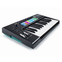 Novation Launchkey 25 MK2 MIDI-koskettimisto / kontrolleri