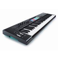 Novation Launchkey 61 MK2 MIDI-koskettimisto / kontrolleri