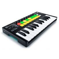 Novation Launchkey Mini MK2 MIDI-koskettimisto / kontrolleri