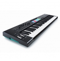 Novation Launchkey 61 MK2 MIDI-koskettimisto / kontrolleri