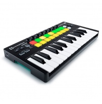 Novation Launchkey Mini MK2 MIDI-koskettimisto / kontrolleri
